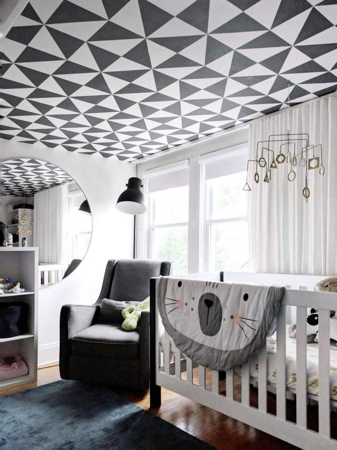 обои с геометрическими фигурами на потолке