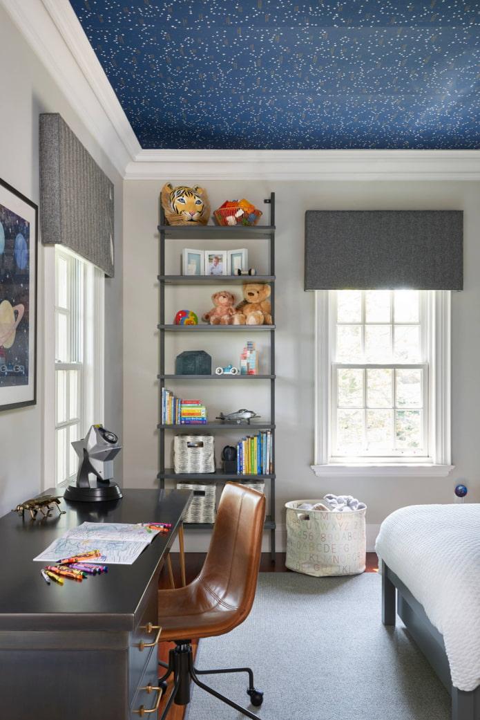 обои синего цвета на потолке