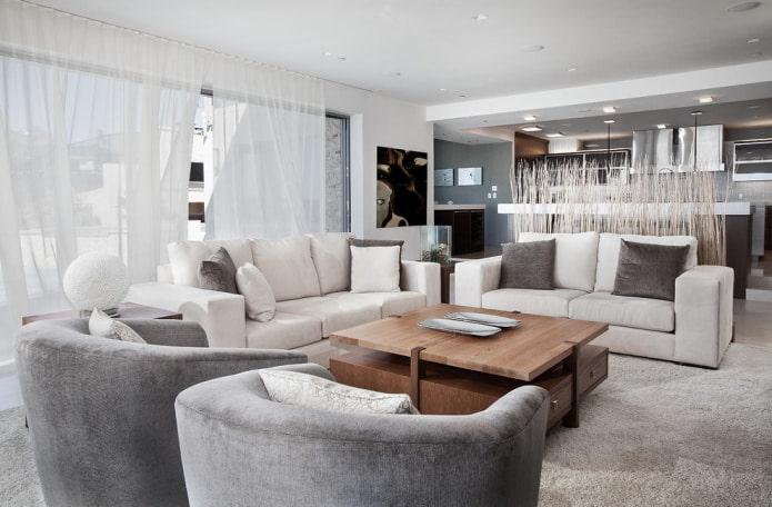 Бело-бежевый диван