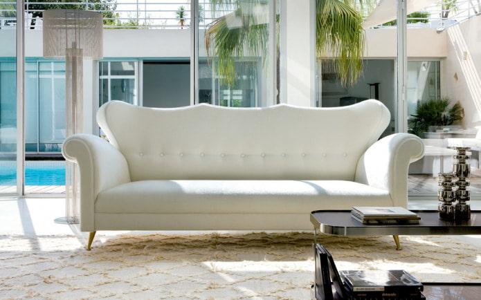 белый классический диван