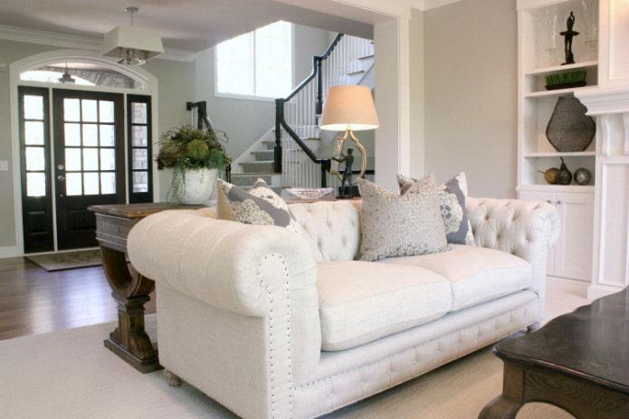 диван в стиле честерфилд