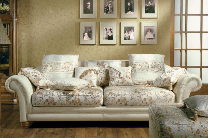 цветочный рисунок на диване