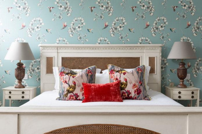 дизайн спальни с голубыми обоями