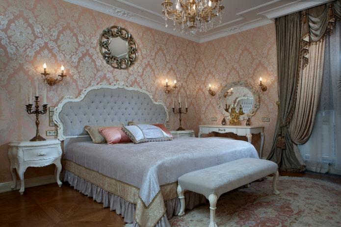 Пудровые обои в спальне