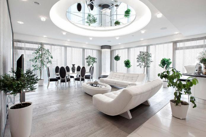 Комбинированный потолок с зеркальной поверхностью