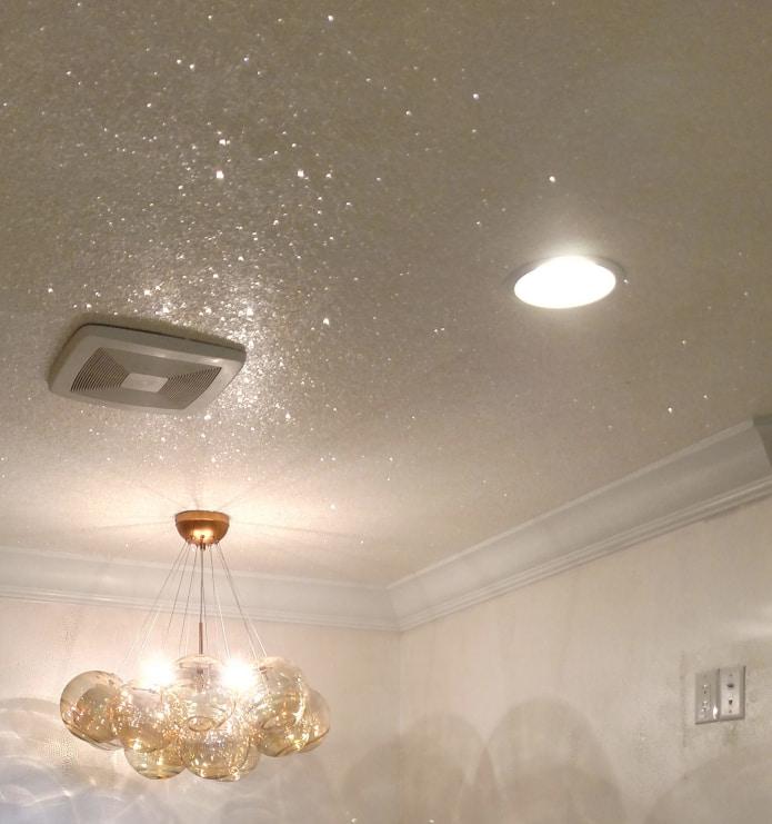 потолок с блестками