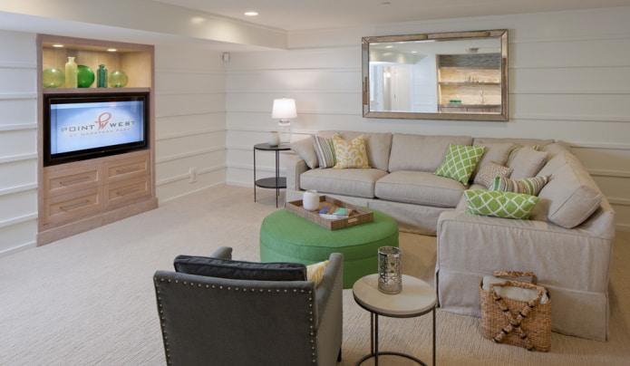 Бежево-зеленый диван