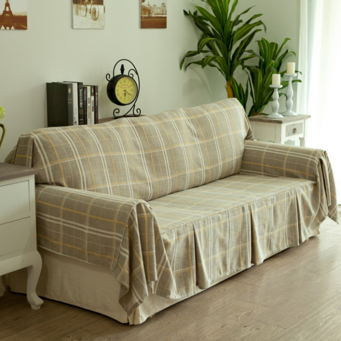 клетчатый диван
