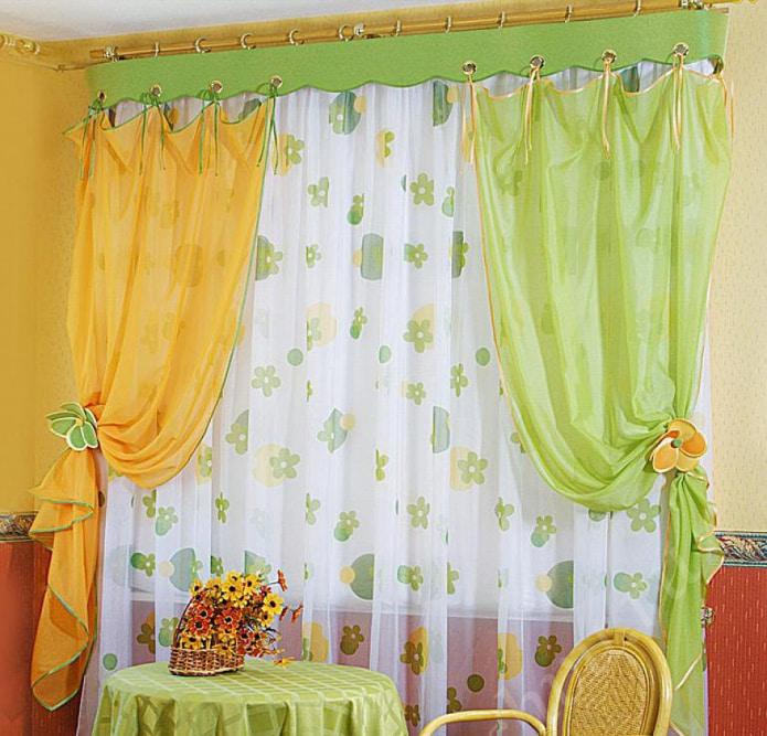 Желто-салатовая штора
