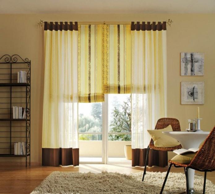 Желто-коричневые шторы