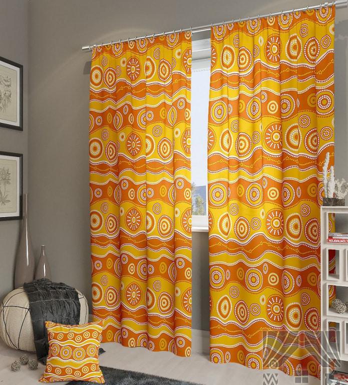 Желто-оранжевые шторы