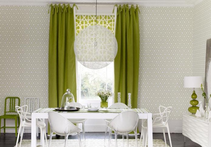 шторы на кухне за обеденным столом