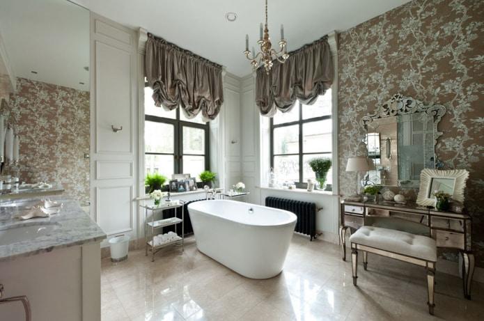 короткие шторы в ванной