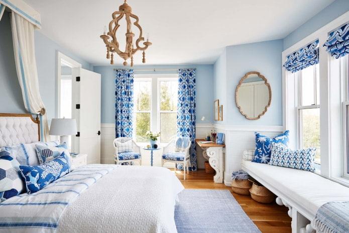 бело-синий текстиль