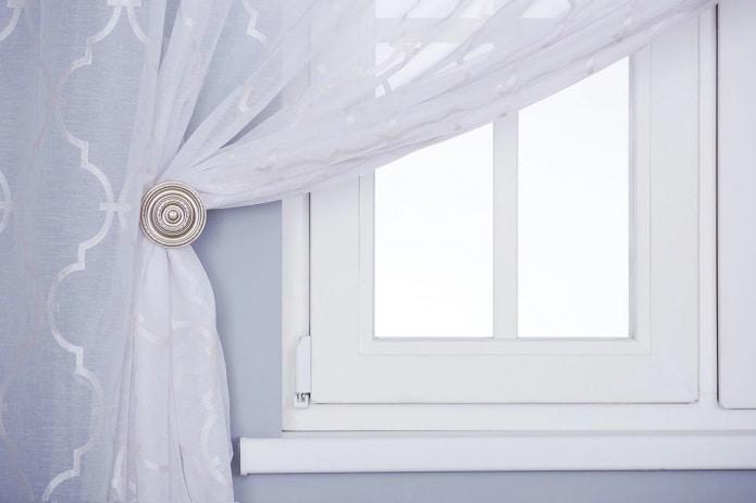 Держатель для шторы