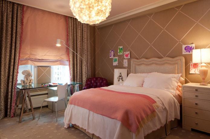 бежево-розовые шторы в спальне