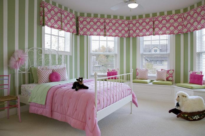 розовый текстиль в детской