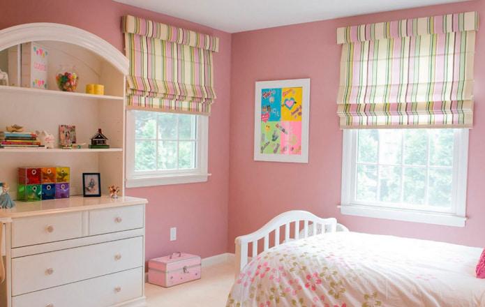 желто-розовые римские шторы