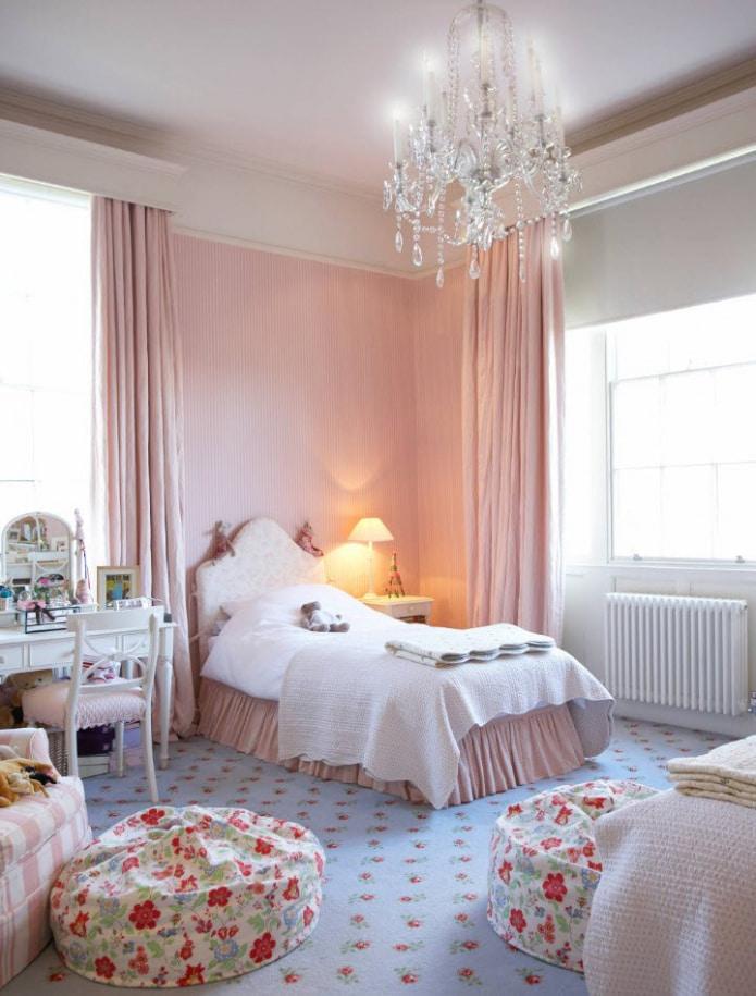 бледно-розовые шторы