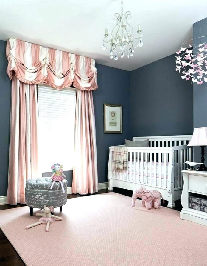 бело-розовый ламбрекен