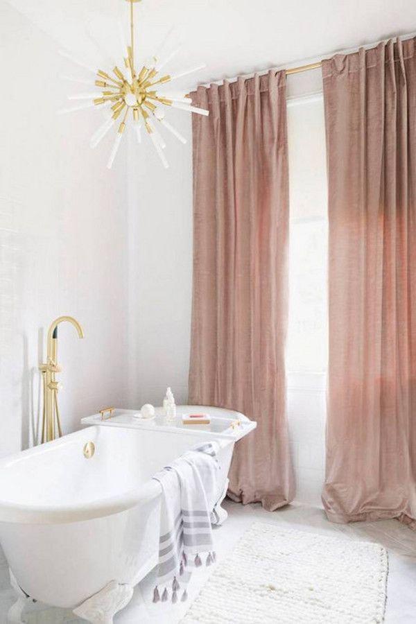 занавески цвета пыльная роза в ванной