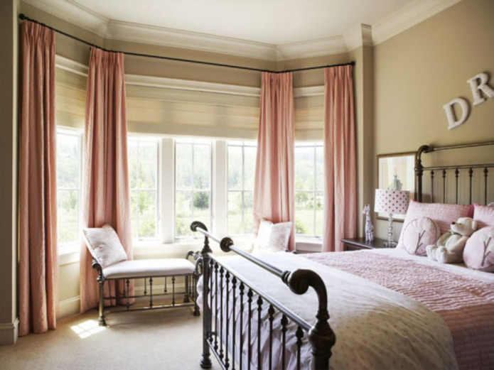 розовая тафта в спальне