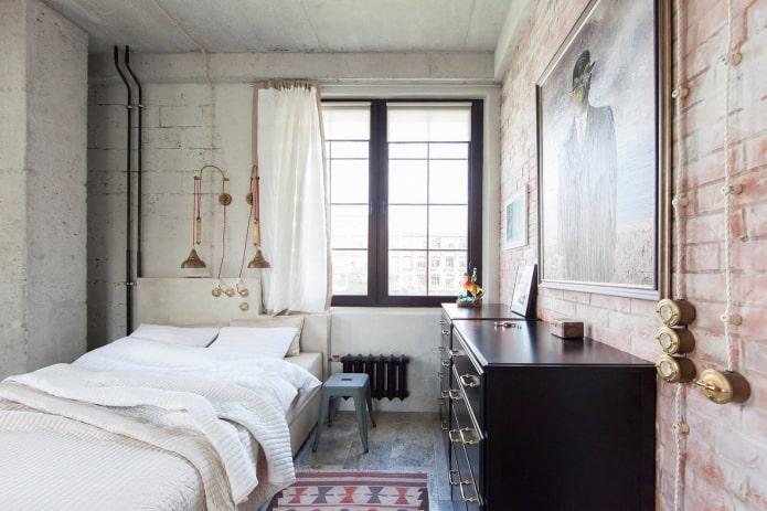 короткие шторы в спальне в стиле лофт