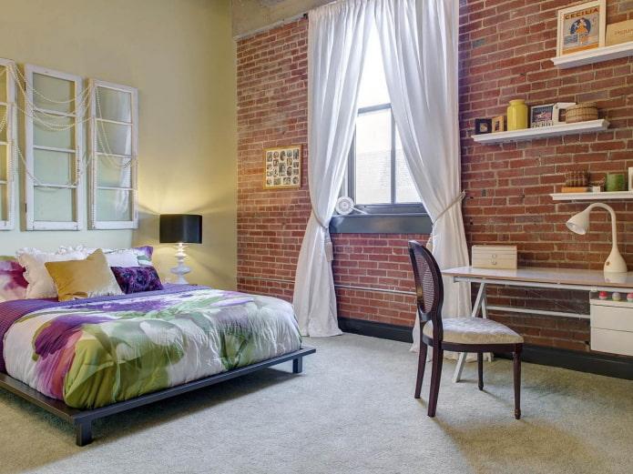 шторы с подхватами в спальне в стиле лофт