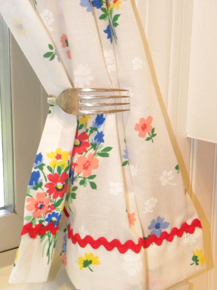 декоративный прихват для шторы