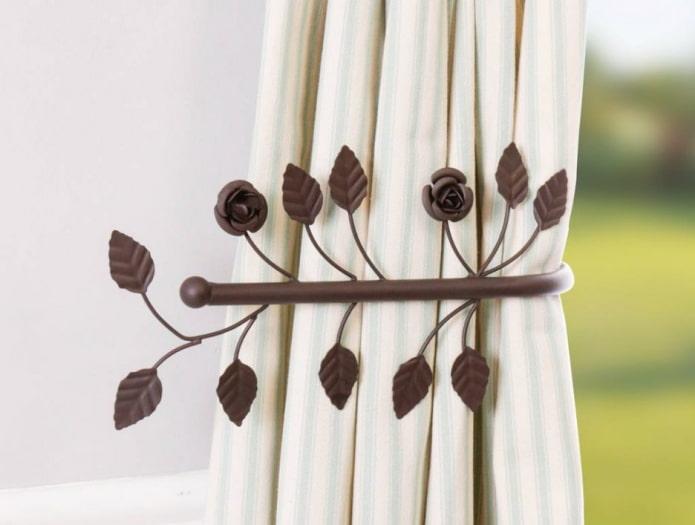 пластиковый прихват для шторы