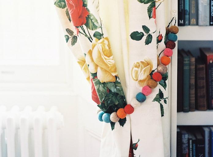 штора с разноцветным подхватом