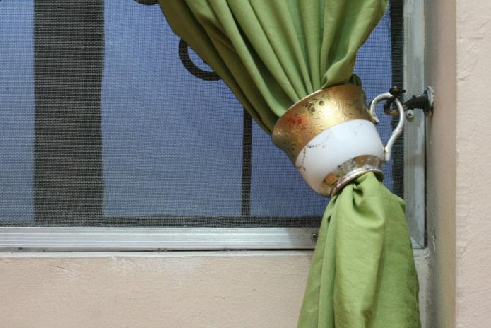 штора с подхватом в виде чашки
