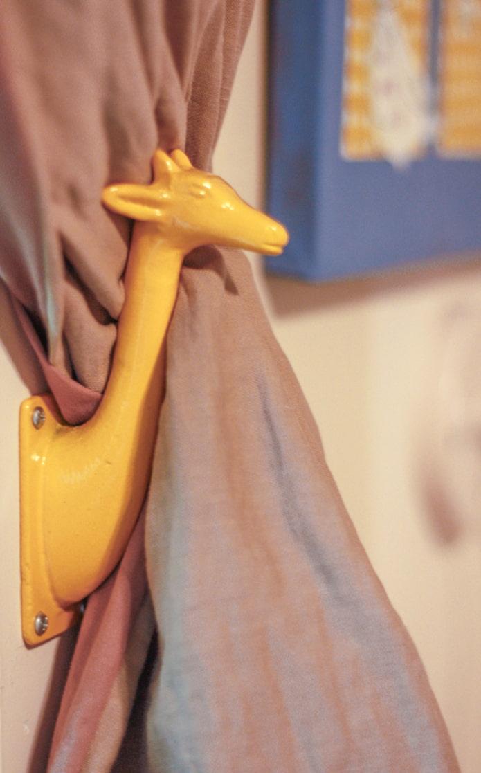 держатель для штор желтого цаеты