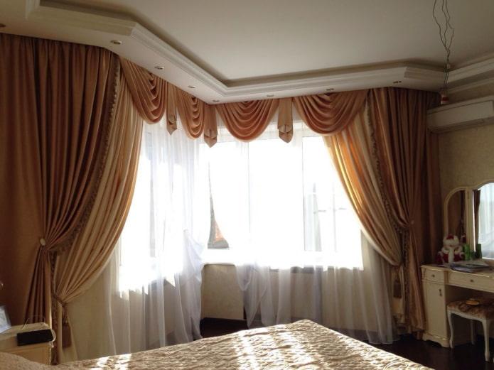 ламбрекен галстук в интерьере спальни