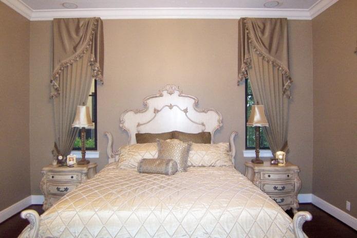 асимметричные ламбрекены в спальне