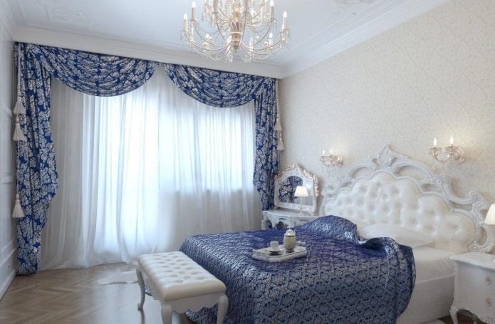 ламбрекены синего цвета в спальне