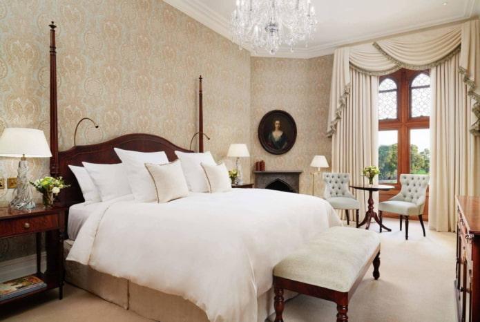 ламбрекены с бахромой в спальне