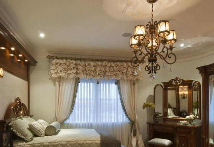 ламбрекен с буфами в интерьере спальни