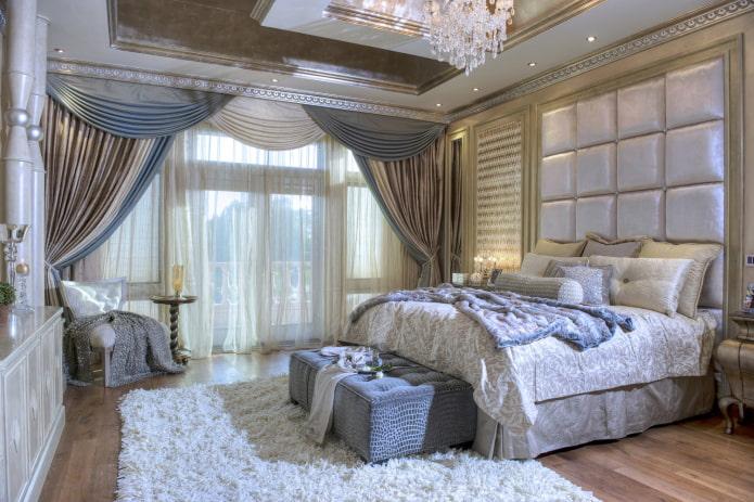 двухцветные ламбрекены в спальне