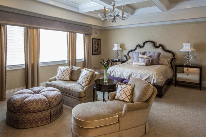 сиреневый ламбрекен в спальне
