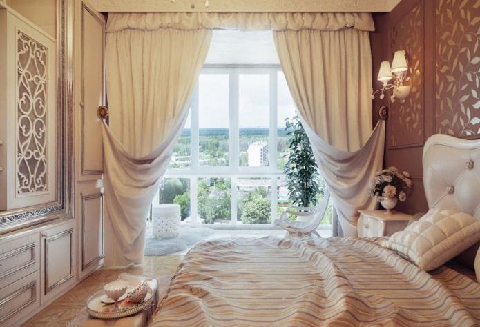 короткий ламбрекен в спальне