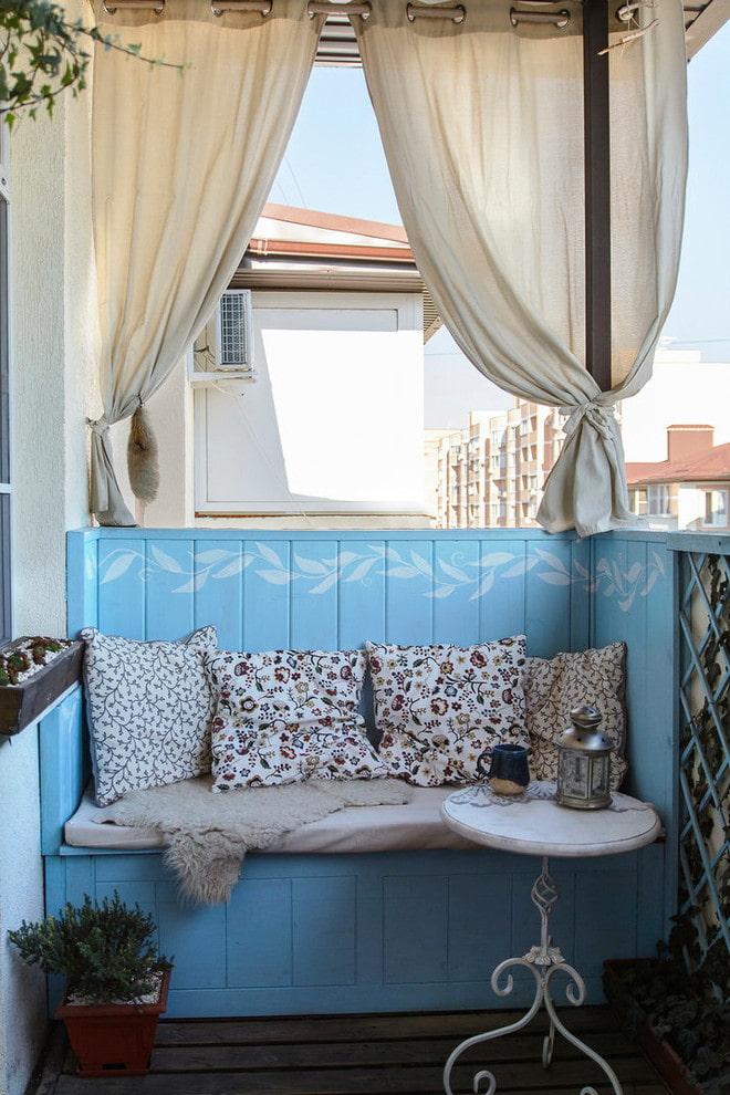 Зимний сад на балконе своими руками фото изголовье
