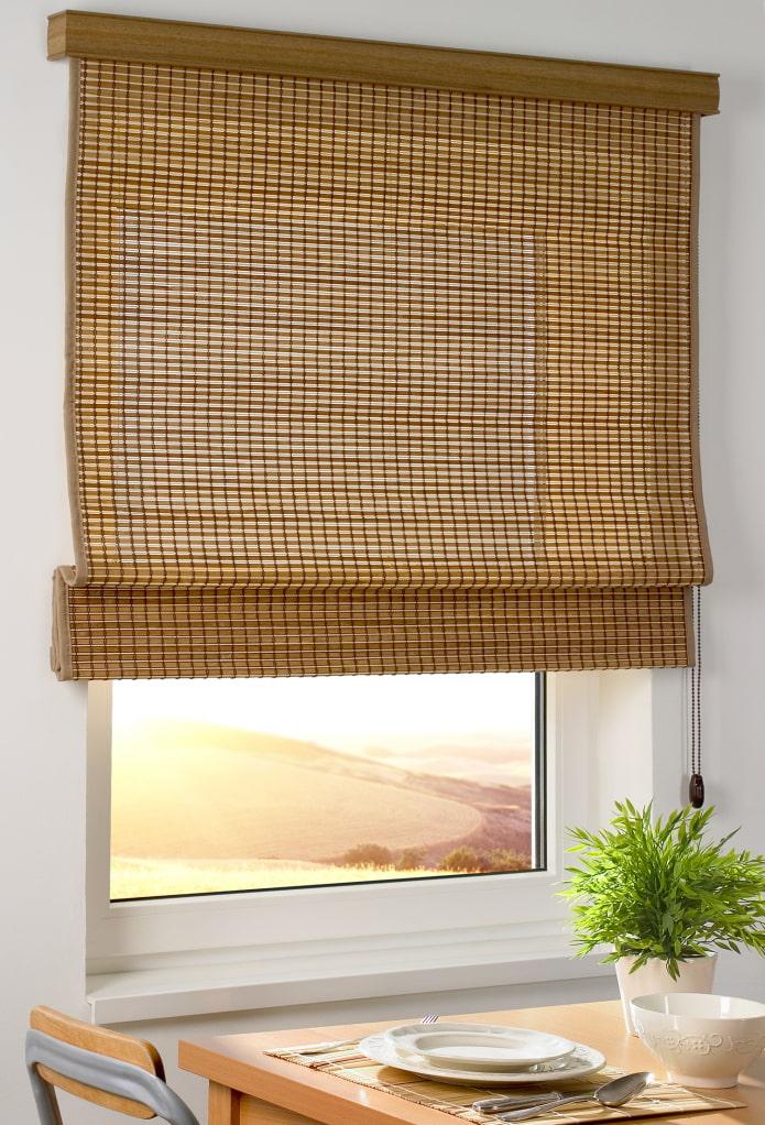 римские шторы из бамбука в интерьере