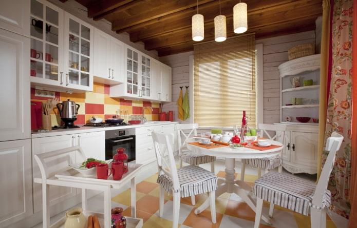жалюзи в интерьере кухни в стиле прованс