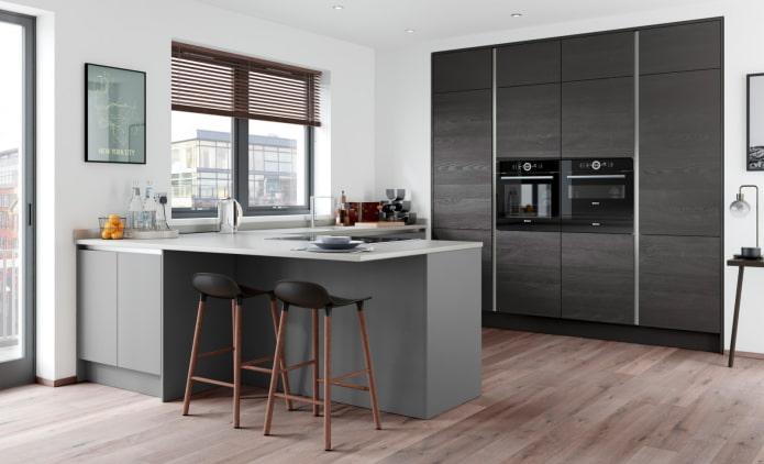 горизонтальные жалюзи в современном интерьере кухни