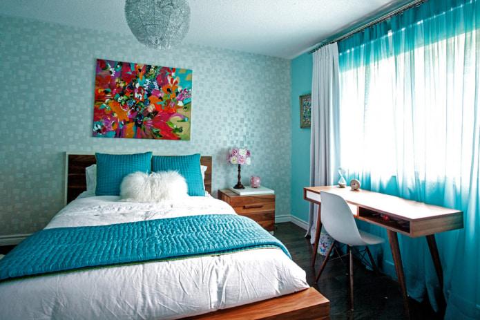 голубой тюль в спальне