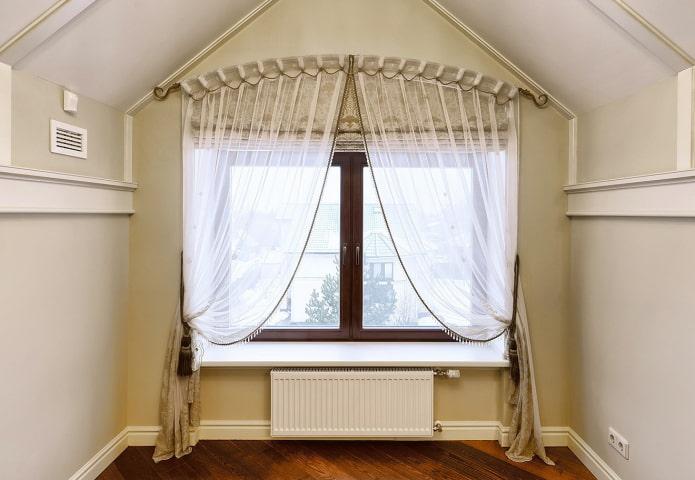 шторный карниз для арочного окна