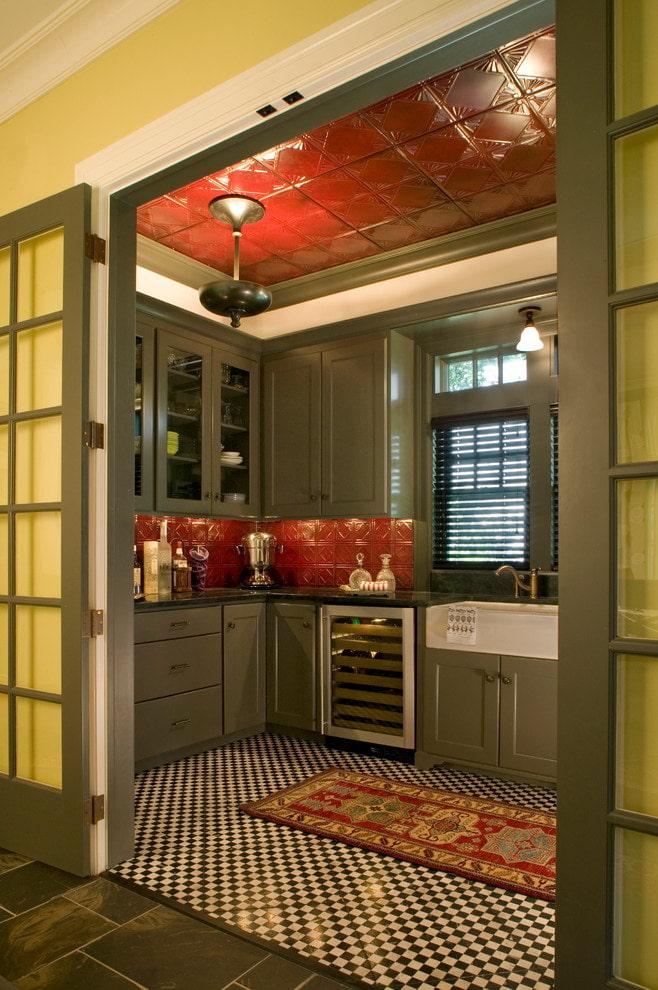 глянцевая плитка в интерьере кухни