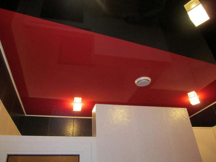 черная обводка на потолке