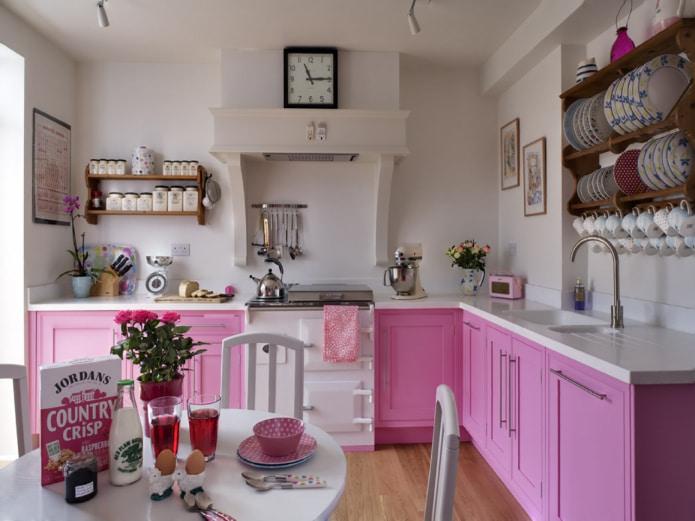 розовый гарнитур